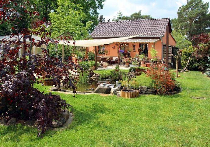 Kleines Paradies, am Stadtrand von Berlin ( Schöneiche ) mit großem Grundstück, zu verkaufen.