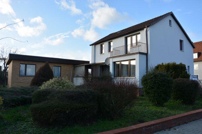 Einfamilienhaus mit separatem Bungalow in Lüchow