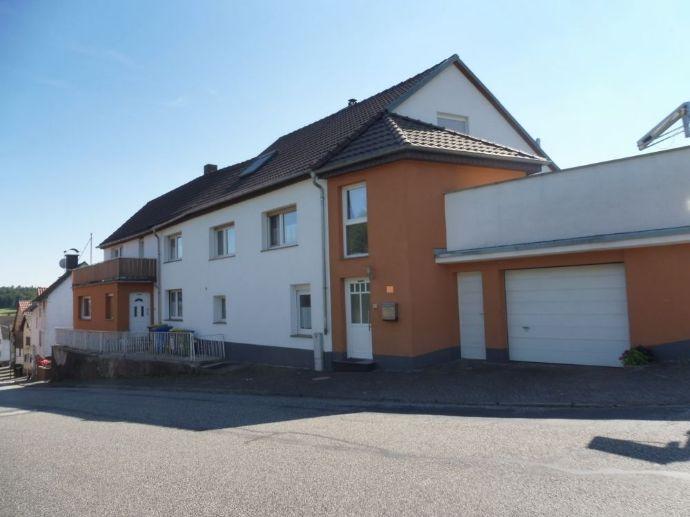 Attraktives und modernisiertes 8-Zimmer-Einfamilienhaus zum Kauf in Laubach
