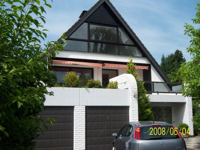 6-Zimmer-Penthouse im 2-Familienhaus Wohnbereich mit