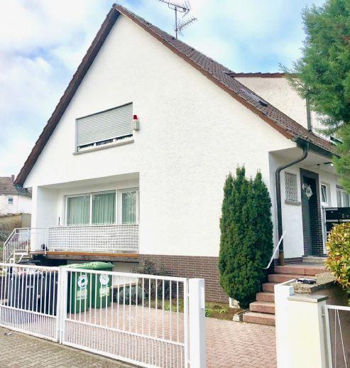 Mehrfamilienhaus/Wohnhaus mit drei Wohnungen und zwei Apartments in ruhiger Lage
