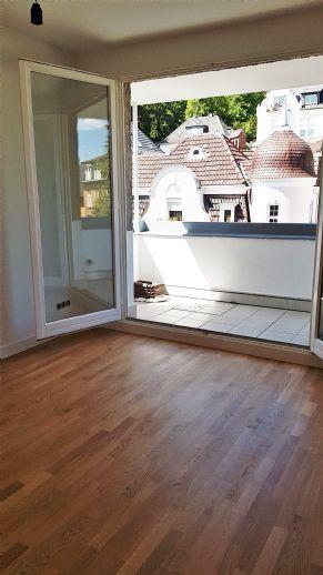 BIK: ERSTBEZUG! Sanierte 4-Zimmer-Maisonette mit Balkon in bester Wohnlage! Briller Viertel!