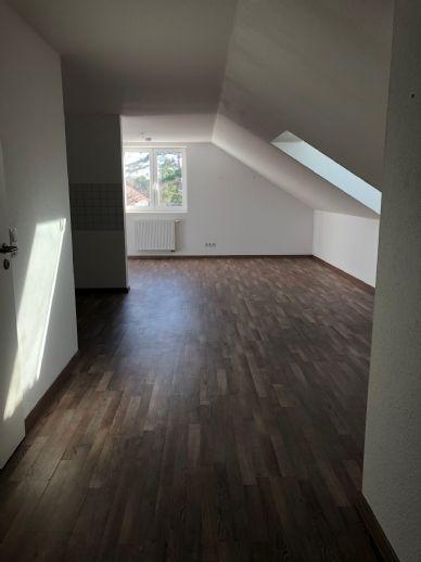 Wir freuen uns auf Sie - frisch renoviertes Single-Apartment - mit CO2-freier Heizungsanlage!