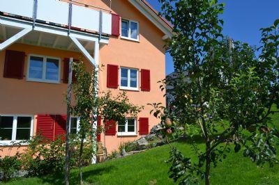 Helle Zweizimmerwohnung in neuwertigem Dreifamilienhaus in Christazhofen ( Argenbühl ) zu vermieten