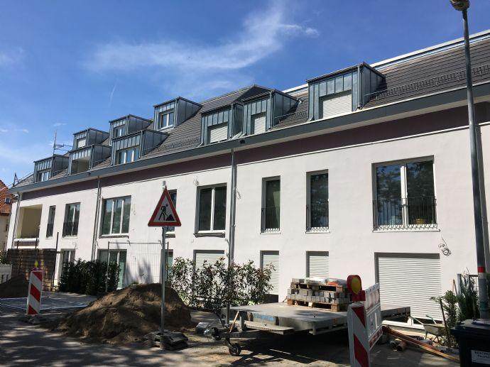 *** Gesundes, zukunftsorientiertes Wohnen in ökologischen, exklusiven Neubau *** Hochwertige 3 - ZI Wohnung mit Westbalkon und TG-STP ***