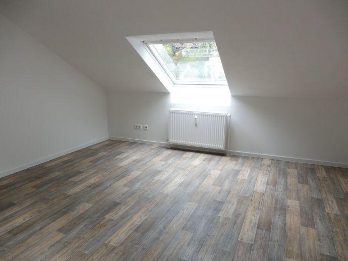 Neu renovierte 4-Zimmerwohnung
