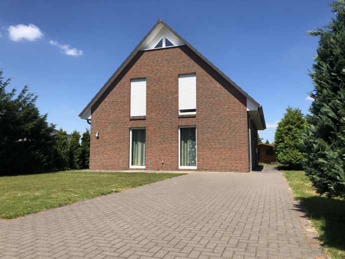 Neuer Preis - Modernes Einfamilienhaus in zentraler Lage