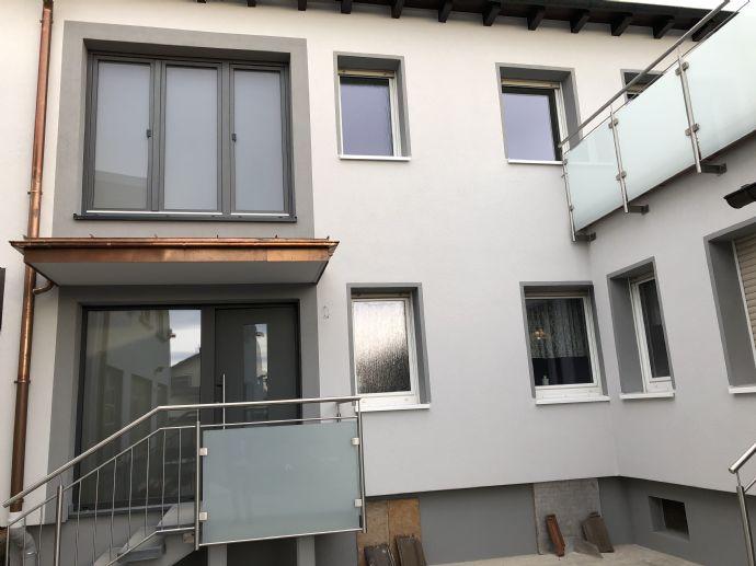 Sanierte Wohnung mit großer Dachterrasse in zentraler Lage von Bürstadt