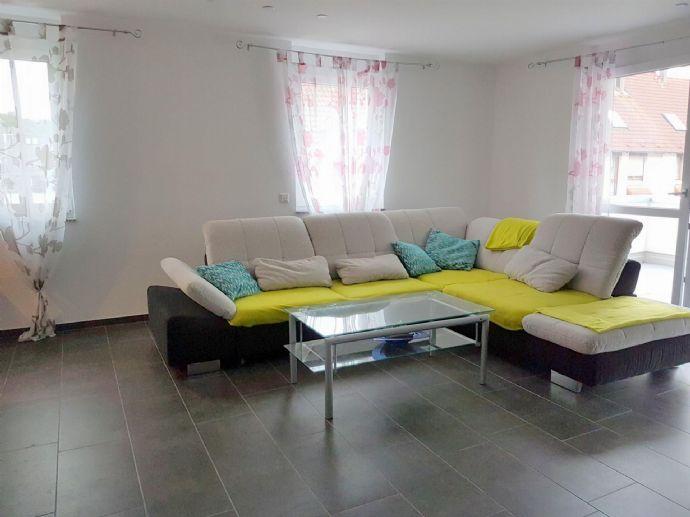 Hochwertige Neubauwohnung - 2 Zimmer inklusive Einbauküche und Garage