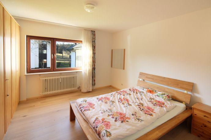 helles Wohnen nahe Freiburg, 3Zi-Whg, 1.OG, 89 m², renovierungsbedürftig, bezugsfrei