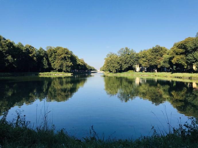 Traumhafte Lage am Canaletto - exklusive Gartenwohnung in Nymphenburg/Gern