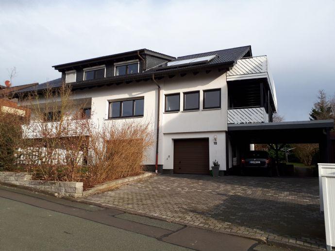 Traumhafte, energetische, hochwertig ausgestattete 4-Zimmer-Wohnung mit 2 gr. Balkonen in Habichtswald-Ehlen zu vermieten