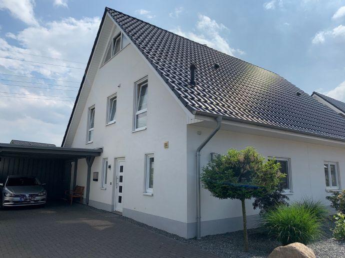 Neuwertige Doppelhaushälfte KFW 70 mit Einbauküche in ruhiger Lage von Wildeshausen zu verkaufen