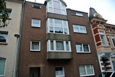 City nähe Bahnhof** Dachgeschoss*möbliert mit Küche-Apartment-dein Zuhause***