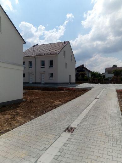 Neubau-Haus-DHH. Erstbezug .Main-Kinzig-Kreis. Bei Langenselbold in Hammersbach. Am Rande des Ballungsraum Frankfurt.