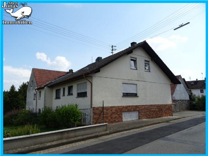 Fischborn: großes Anwesen mit 3 Häusern und Stallanteil - insgesamt 5 große Wohnungen
