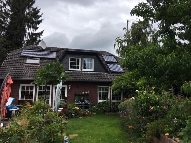 Dachwohnung im Waldschlösschen in EFH nähe Uni-Klinik, ruhige Sackgassen-Waldrandlage, möbliert