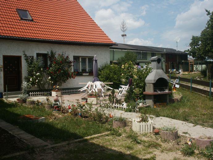 MFH mit 5 vermieteten Wohnungen | 15 Autominuten von Jena-Zentrum | Verkehrsgünstige Lage | Kleiner Garten