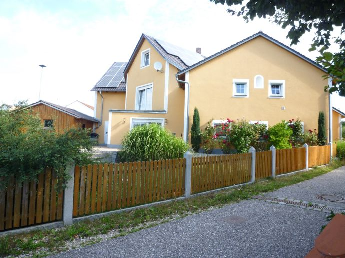 Wohnen und arbeiten unter einem Dach im Herzen von Hohenschambach