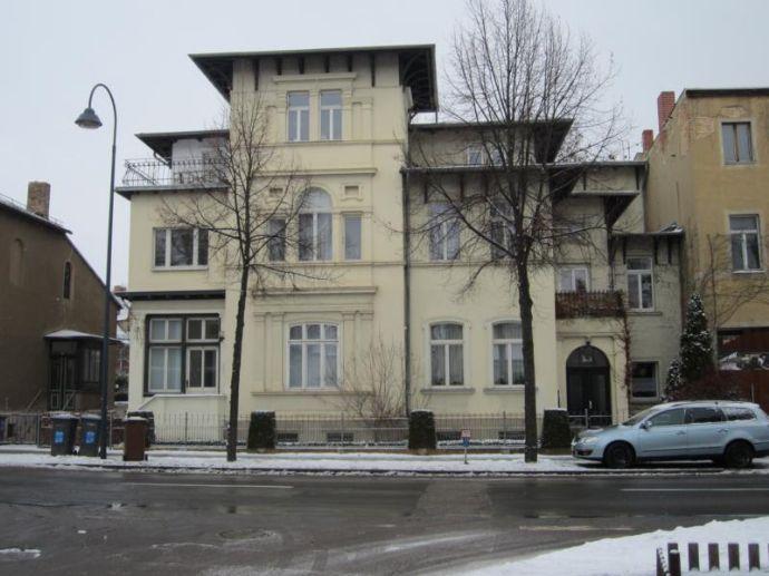 2 Zimmer Wohnung mit Balkon in Naumburg zu vermieten