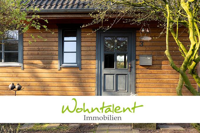 Natürlich Wohnen im Holzhaus auf großem Grundstück
