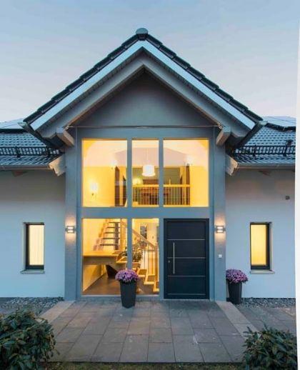 Eingangshalle+Wintergarten+Galerie+Keller+bezugsfertige Vollausstattung