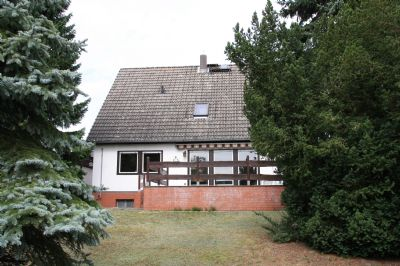 Staaken 1 familienhaus mit doppelgarage ruhige lage for Familienhaus berlin