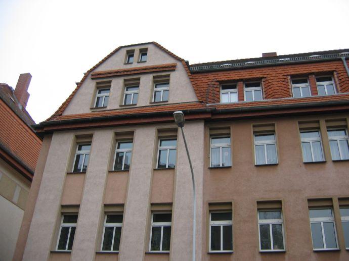 Schöne und helle 2 Raum Wohnung in zentraler und grüner Lage von Riesa
