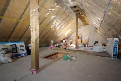 Der Dachboden mit Ausbaumöglichkeiten_02