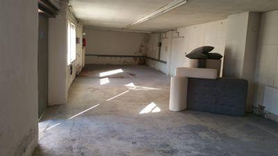 lagerhalle 90 m ebenerdig toplage halle n rnberg 2cl9j4j. Black Bedroom Furniture Sets. Home Design Ideas