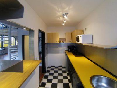 Offene Küche mit Blick zum Wohnraum
