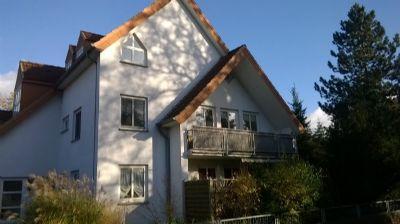 Haus mit Sicht auf Balkon/Wohnzimmer und 2.Zimmer