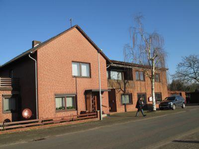 Wohnhaus mit Werkstatt, Lagergebäude und Garagen zu verkaufen