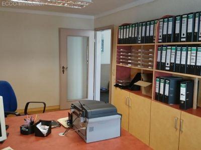 eingerichtetes Büro