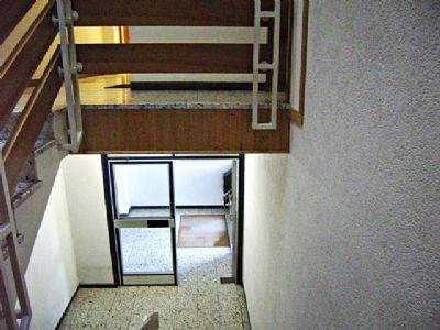 Treppenhaus zum Hauseingang