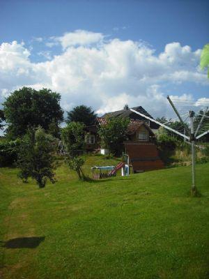 Garten mit Gartenhaus Teilansicht