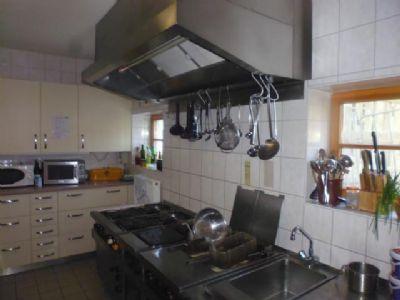 ... auch die Gastro-Profi-Edelstahlküche top