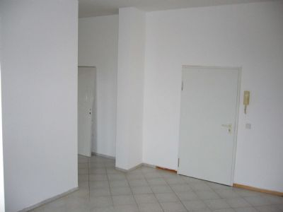 Wohnzimmer (Blick zur Eingangstür)