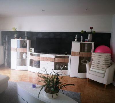 sch ner wohnen in einem winkelbungalow am m hnesee. Black Bedroom Furniture Sets. Home Design Ideas