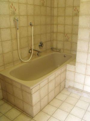 Bad im Haupthaus 2