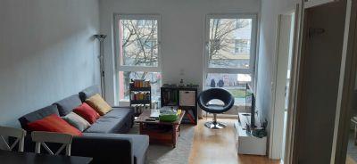 Möblierte hochwertig ausgebaute 2 Zimmer City Wohnung mit Tiefboden Fenstern