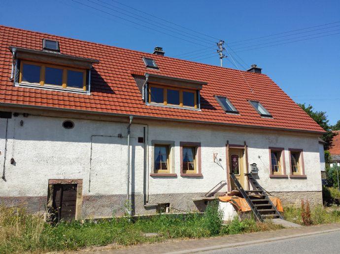 bauernhaus mit scheune und stallgeb ude 1535 qm eigentumsgrundst ck neues dach neue haust r. Black Bedroom Furniture Sets. Home Design Ideas