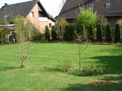 Garten von Terrasse aus