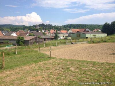 Blick von den Koppeln aufs Dorf