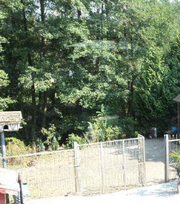 3. der Tore zum Grundstück