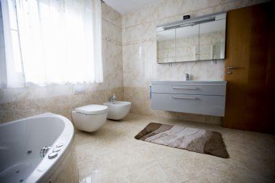 Badezimmer OG 1