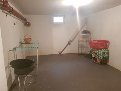 gepflegte eigentumswohnung mit balkon in berlin karow als kapitalanlage etagenwohnung berlin. Black Bedroom Furniture Sets. Home Design Ideas