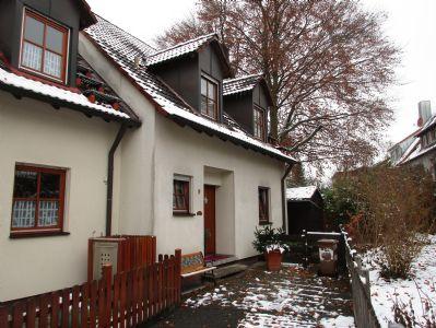 sch nes haus mit mieter in zirndorf doppelhaush lfte zirndorf 2hbcs4h. Black Bedroom Furniture Sets. Home Design Ideas