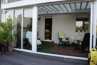 sch ner wohnen mit wintergarten und gro er dachterrasse. Black Bedroom Furniture Sets. Home Design Ideas