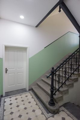 neubaustandard designer badezimmer wohntraum ber eine komplette ebene etagenwohnung. Black Bedroom Furniture Sets. Home Design Ideas